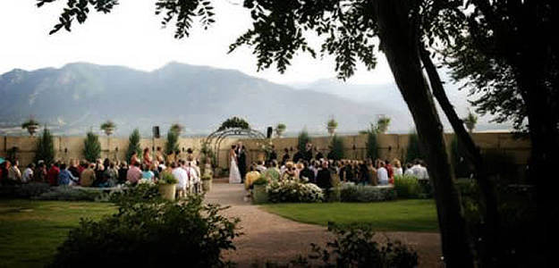 Outdoor Wedding Venue Hillside Gardens